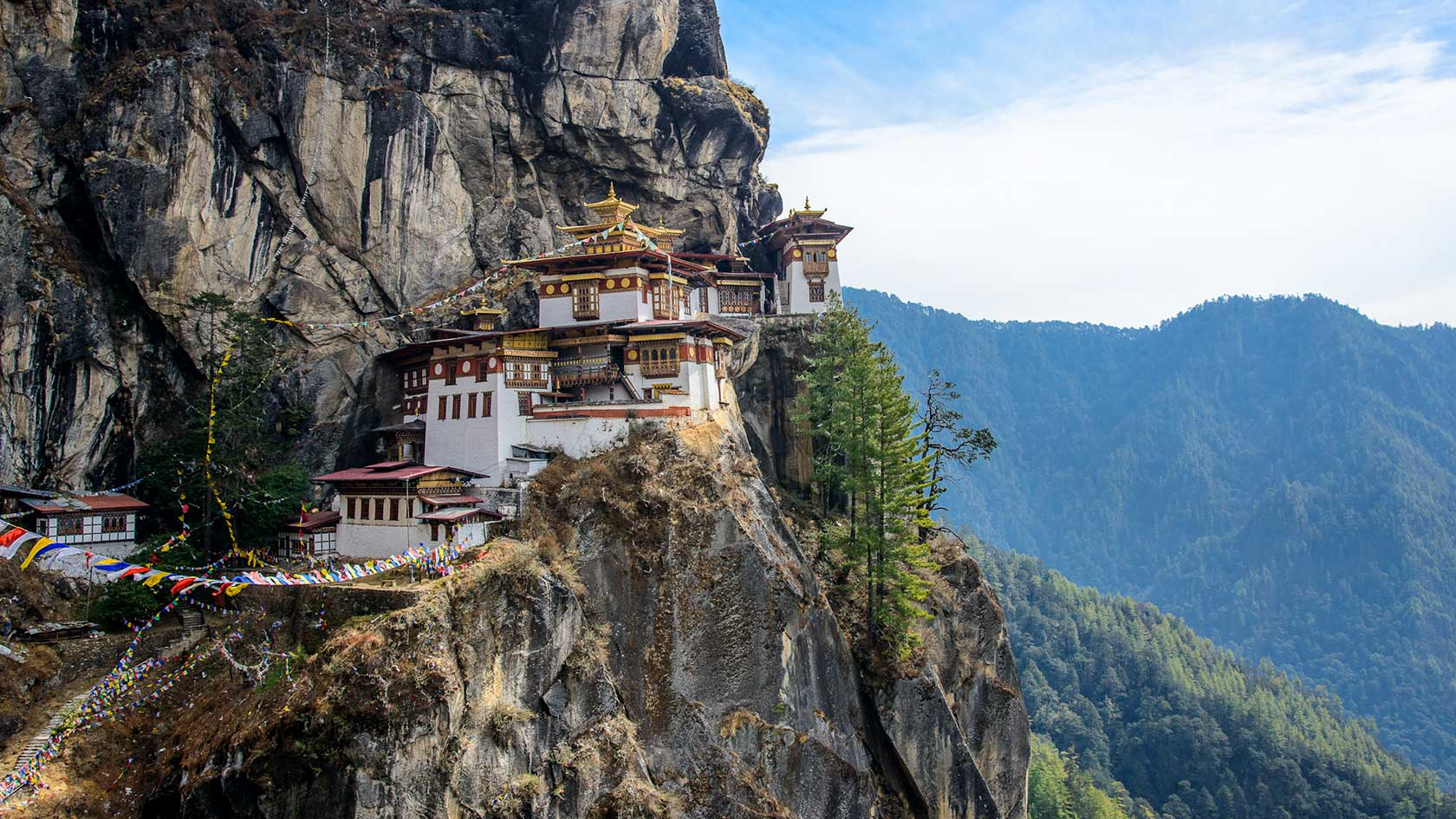 lets-travel-to-bhutan-with-rodolfo-contreras-17